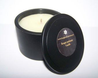 Scented candle vanilla in black pot