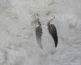 Earrings feather metal