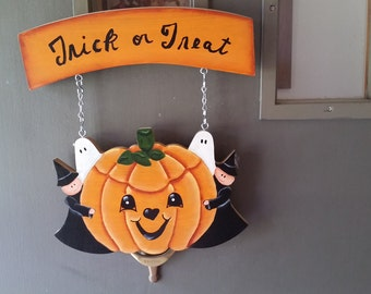 Halloween Welcome Door Hanger