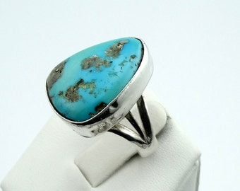 Vintage Turquoise and Sterling Silver Ring Southwest Native American Collectable  #VTGTUR-SR2
