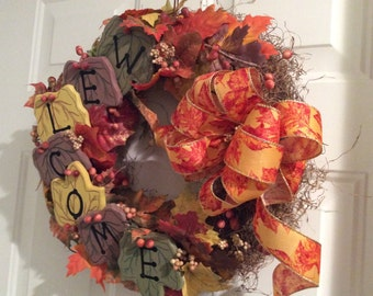 Fall wreath, fall welcome wreath, welcoming door wreath, wreath with fall foliage, 18 inch fall wreath, straw wreath decorated for fall