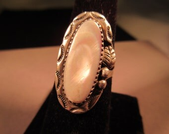 Cool Native American Sterling Silver Mother of Pearl Ring - 8