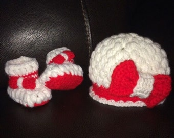 Baby girl crochet hat and booties set (3-6 months)