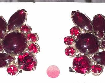 Vintage unsigned ruby red rhinestone earrings