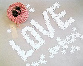 200 Paper Confetti,  White Wedding Confetti, Baby Shower, Birthday Party Decor, White Flowers Confetti , Bridal Shower Decor, Winter Table