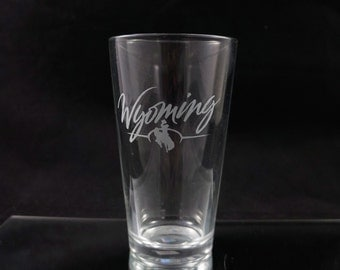 Wyoming State Pint Glass - Made in Wyoming - Wyoming Bucking Horse - Wyoming Beer Glass - Etched Pint Glass - Etched Drinking Glass