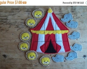 First Sale of Year The Circus is comimg Tic Tac Toe :  Everyone loves going to the circus. Fun Birthday gift or party favor.