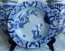 Creil et Montereau Platrond creux  Modèle Japon au décor floral bleu