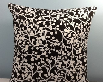Black and white throw pillow cover. Decorator pillow. Contemporary Toss pillow. Modern Accent pillow.