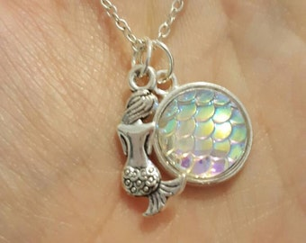 White mermaid scales necklace and earrings (options)