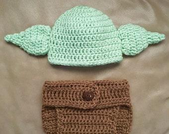 Crochet Disney's Yoda Newborn Set.