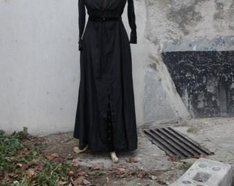 Former model wasp waist dress with Napoleon III in 1900 XIX XX / Holy10
