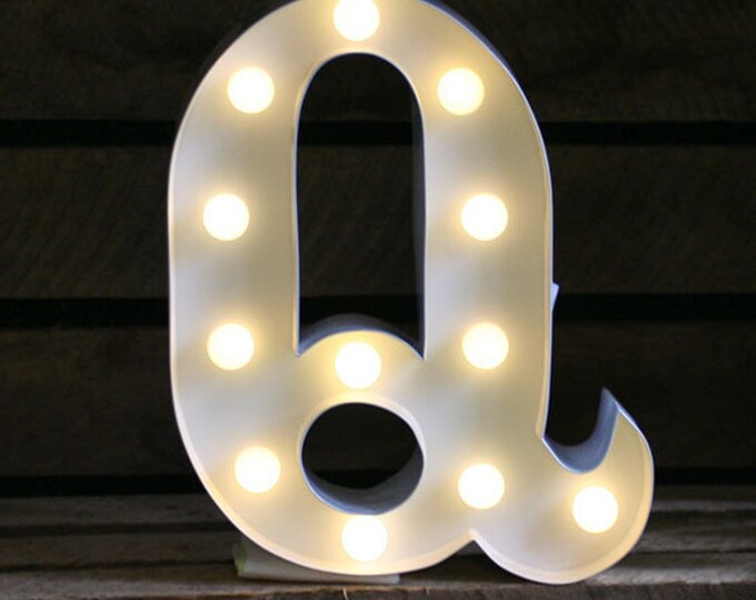 Vintage Carnival Style Marquee Light, Light up Letter Q - Battery Operated