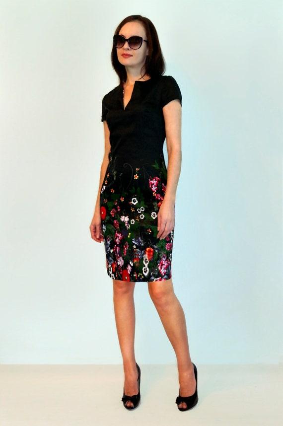 schwarzes kleid mit blumen print kurze rmel flower kleid casual. Black Bedroom Furniture Sets. Home Design Ideas