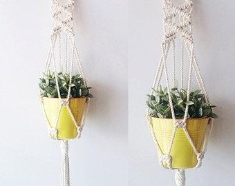 macrame plant holder etsy fr. Black Bedroom Furniture Sets. Home Design Ideas