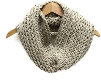 Oatmeal crochet cowl, beige scarf, triple luxe cowl, infinity scarf, crochet circle scarf, chunky crochet cowl, warm winter scarf, wool cowl