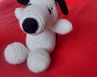 Knitted crochet Snoopy beagle dog amigurumi soft toy Peanuts character canine Charles Schulz Charlie Brown Woodstock Pigpen Peppermint Patty