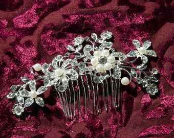 Gorgeous Crystal Wedding Headpiece/Comb w Pearly accents