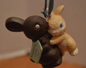 1992 Somebunny Loves You Hallmark Easter Ornament