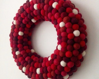 Christmas wreath. Felt ball Wreath. Christmas Decoration. Modern Wreath