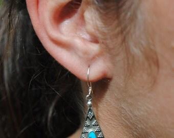 Native american turquoise earrings, boho earrings, ethnic earrings, vintage earrings, silver dange earrings, vintage turquoise dangle