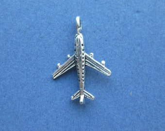 10 Airplane Charms - Airplane Pendants - Airplane - Planes - Antique Silver - 23mm x 15mm  -- (No.20-10203)