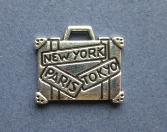 5 Suitcase Charms - Suitcase Pendants - Traveling Charms - Luggage Charm - Antique Silver - 16mm x 14mm -- (M7-10162)