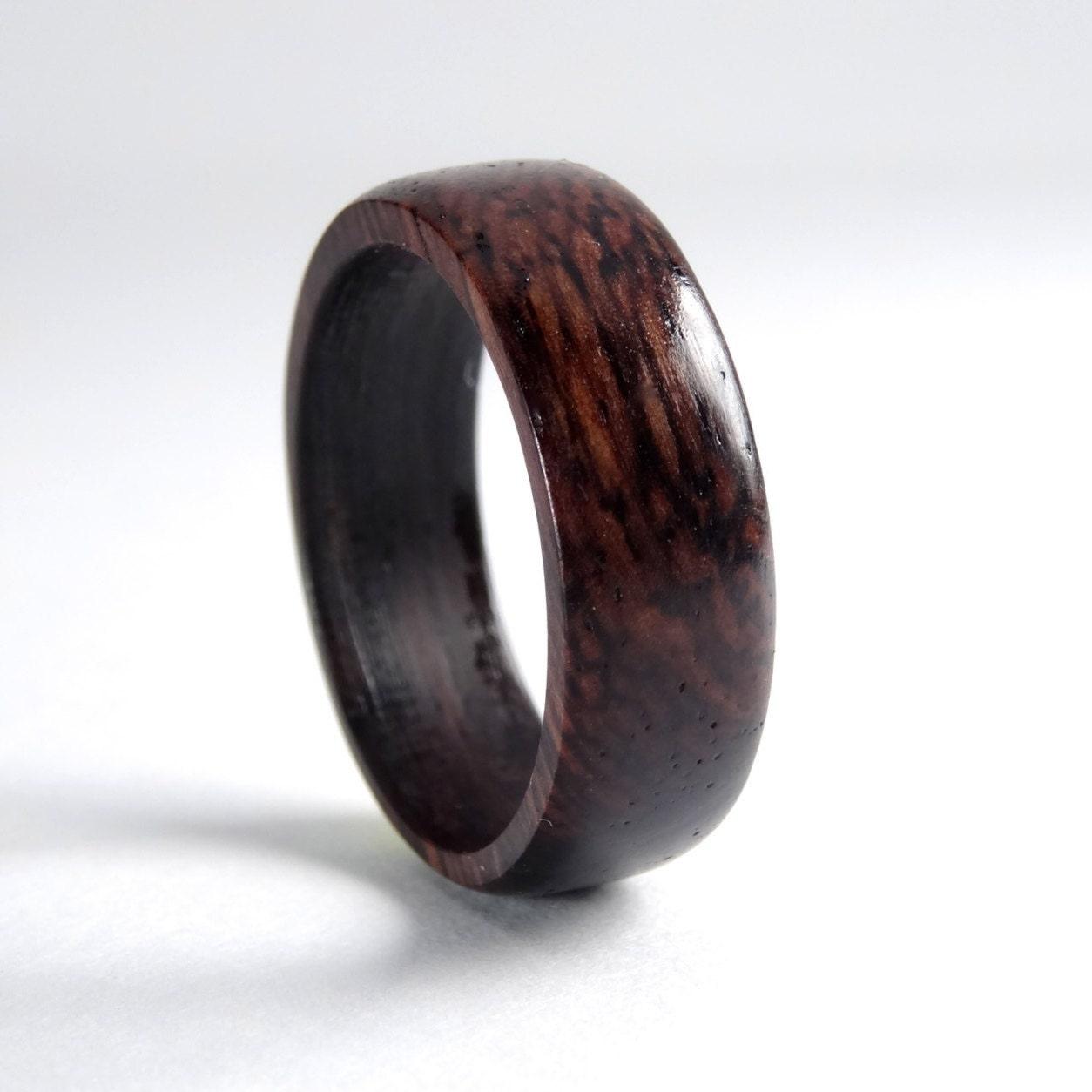 anneau en bois palissandre des indes bijoux en bois. Black Bedroom Furniture Sets. Home Design Ideas