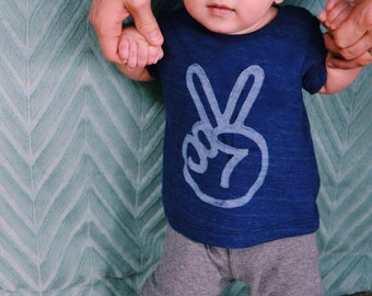 sale peace sign baby tshirt, baby boy clothes, peace hand shirt, graphic tee, unisex trendy baby kids, unisex baby gift, INDIGO