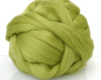 Merino Wool roving. Siperfine 19 microns. Carded and combed wool. Ideal for needle and wet felting.  Green  apple, Chartreuse, Lime