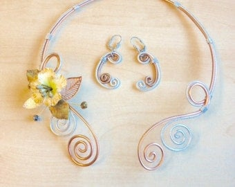 Aluminium wire necklace, silver and copper, with cold porcelain flower