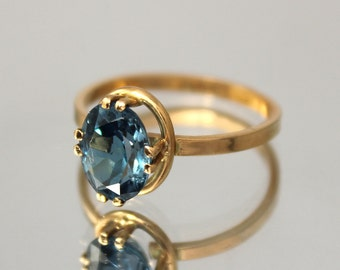Topaz ring gold, Blue topaz ring, Gemstone ring, Topaz ring, Birthstone ring, Oval stone ring, December birthstone