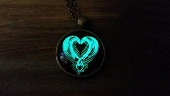 Glowing Purple Dragon Necklace, Descendants Mal Dragon Necklace, Mal Costume, Glowing Dragon Necklace, Pre Teen Gift, Purple Dragon Heart