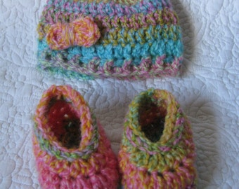 Hat and shoe for baby/ New born to 9 months/ Fruity