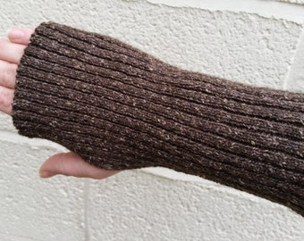 Ribbed Gauntlets/Armwarmers Knitted in Vintage Wool