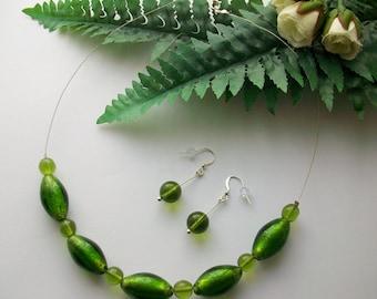 Dewy Meadow ~ Green glass jewellery set. Necklace and earrings. Venetian Glass