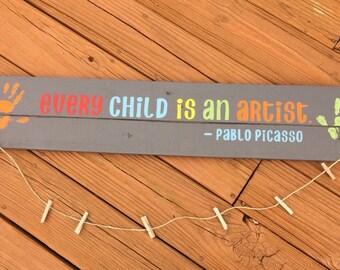 Kids art display, pallet sign, artwork holder, art hanger, art display board, hand painted wooden pallet sign to hang child's art.