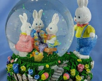 Easter Bunny Snowglobe