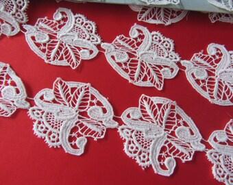 Pretty lace white guipure - 10632