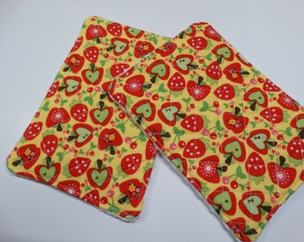 Set of 2 - Kitchen Unsponge -  Washcloth - Reuseable - 100% cotton - Eco Friendly - Large - Yellow - Apples
