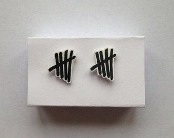 5SOS Tally Mark Earrings // BeadXia
