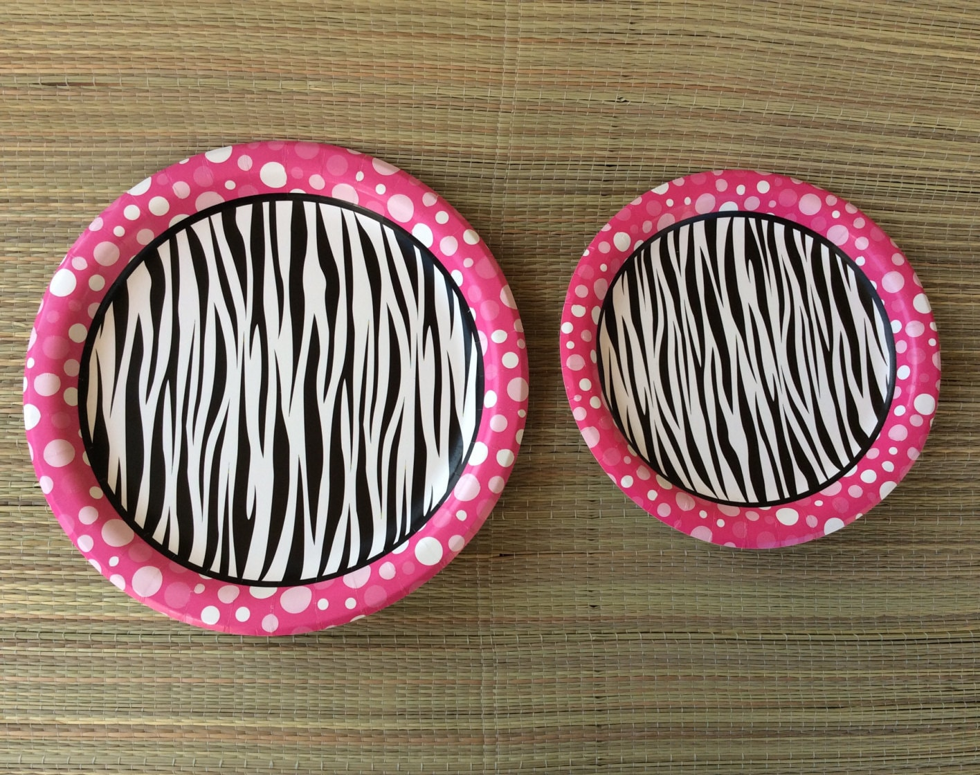 zebra paper plates Party plates whether you're colour coordinating or mix and matching we have a plate to suit any theme  big value 7in paper party plates bright pink.