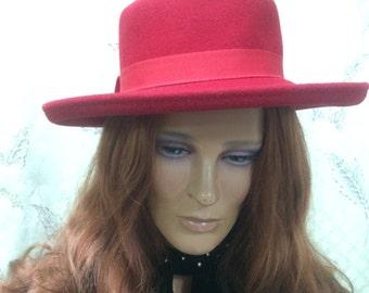 Vintage 1980s Red Scala Hat