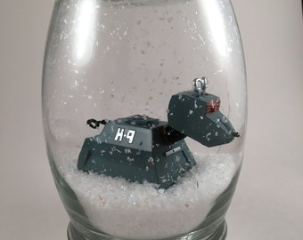 K9 Snow Globe - Doctor Who Inspired