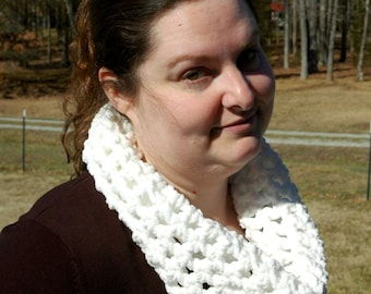 Warm and Fluffy Snowy White Crochet Cowl
