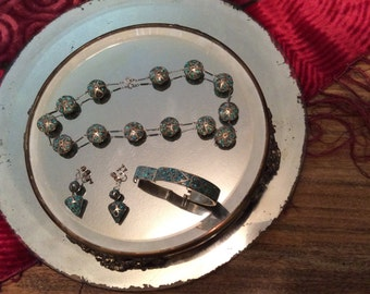 Vintage India made necklace, bracelet and earrings