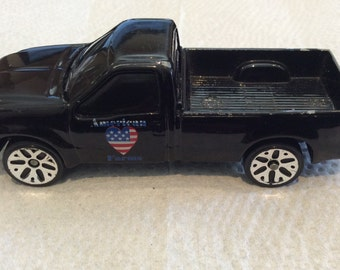 Maisto Ford F350 Super Duty Pickup American Farms - Loose Made in China Black Pickup truck