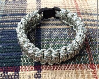 Single color paracord 550 bracelet
