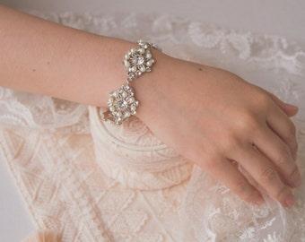 Pearl Bridal Bracelet, Ivory Pearl Bracelet, Swarovski Pearl Zirconia, Bridesmaid Bracelet, Bridal Jewelry, Wedding Accessory