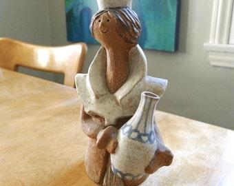 Metlox, Poppytrail, Poppet, Queen, Mid Century California Pottery Figurine, Helen Slater Design